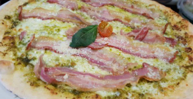 Pizza Pesto e Panceta